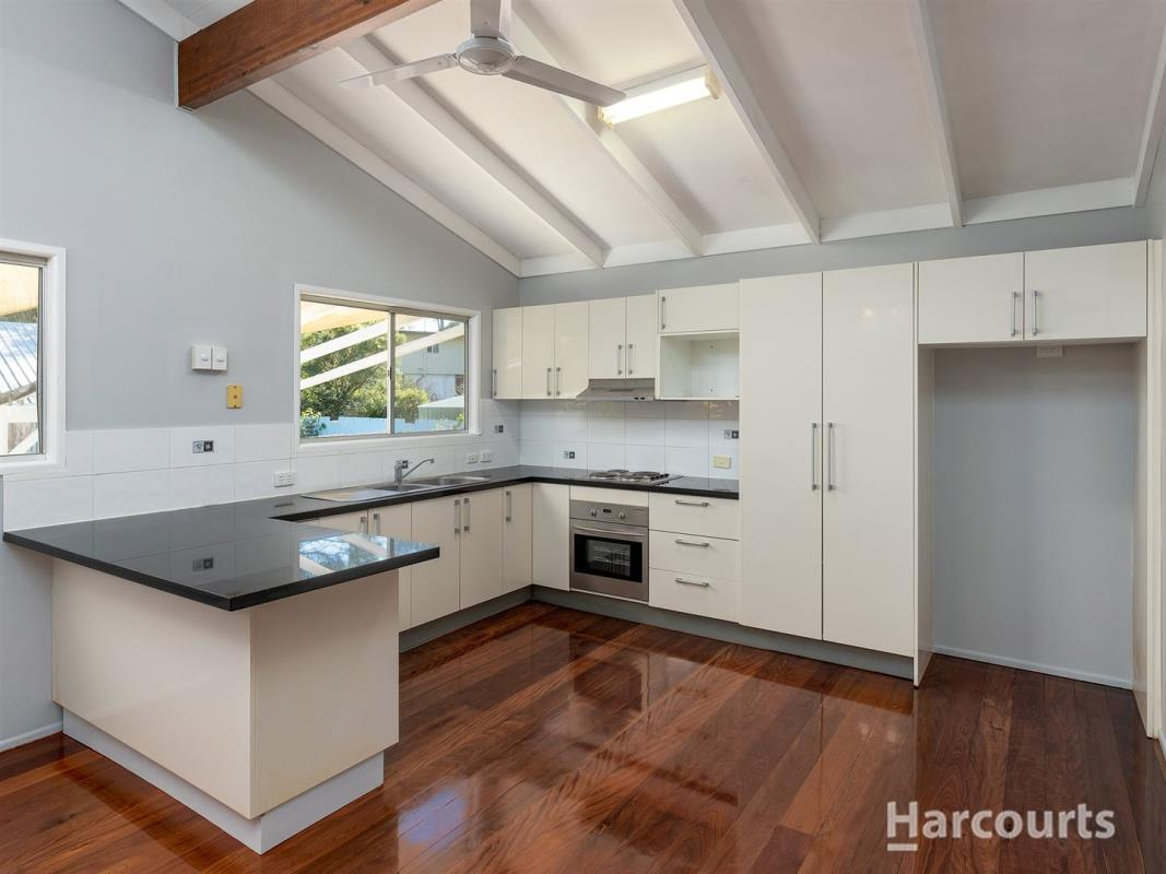 1-woodlands-ave-petrie-4502-qld