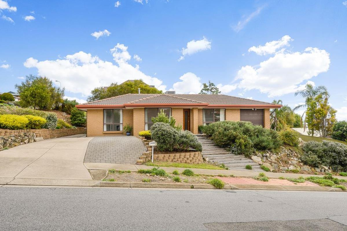 1-brett-crescent-hallett-cove-5158-sa