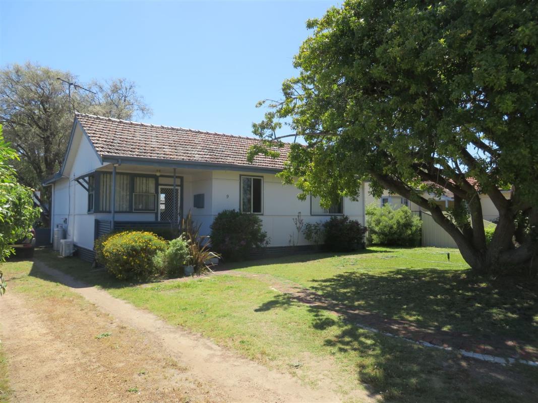 9-backhouse-street-west-busselton-6280-wa