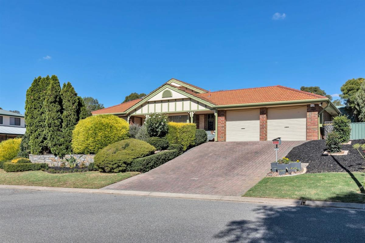 82-grevillea-way-woodside-5244-sa