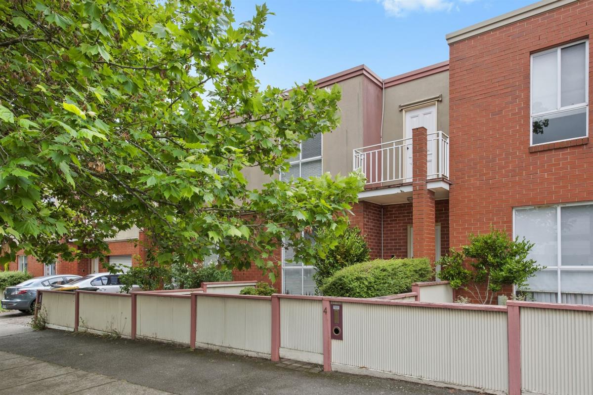 4-502-lydiard-street-north-soldiers-hill-3350-vic